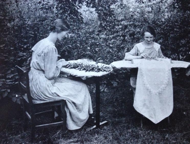 Edit Johansson med syster