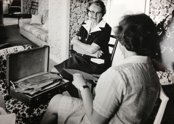 Edith Sand och mamma